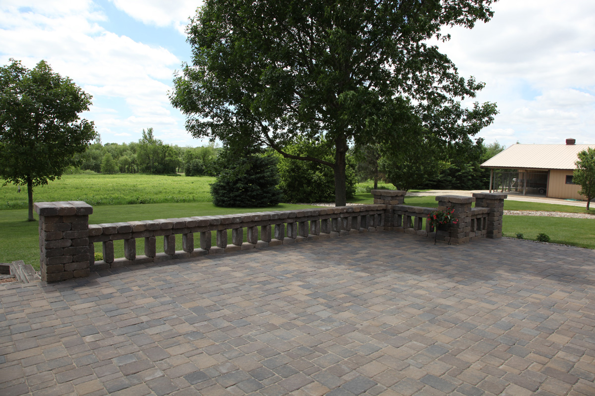 Rochester lakeville owatonna faribault kenyon for Gardening contractors